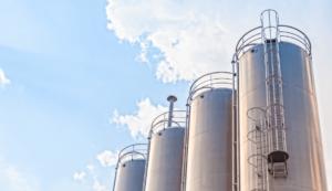 원자재 대신 원자재 관련 기업