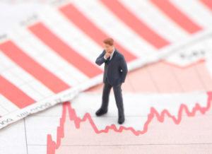 부채의 늪에 빠진 세계 경제, 디플레이션 가능성은?
